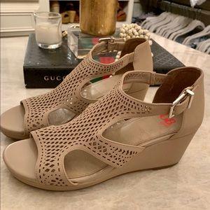 GB Girls Crafty Girl Wedge Sandal sz5